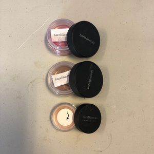 Bare minerals powders